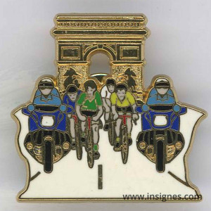 Pin's Tour de France arc de triomphe +vert + jaune